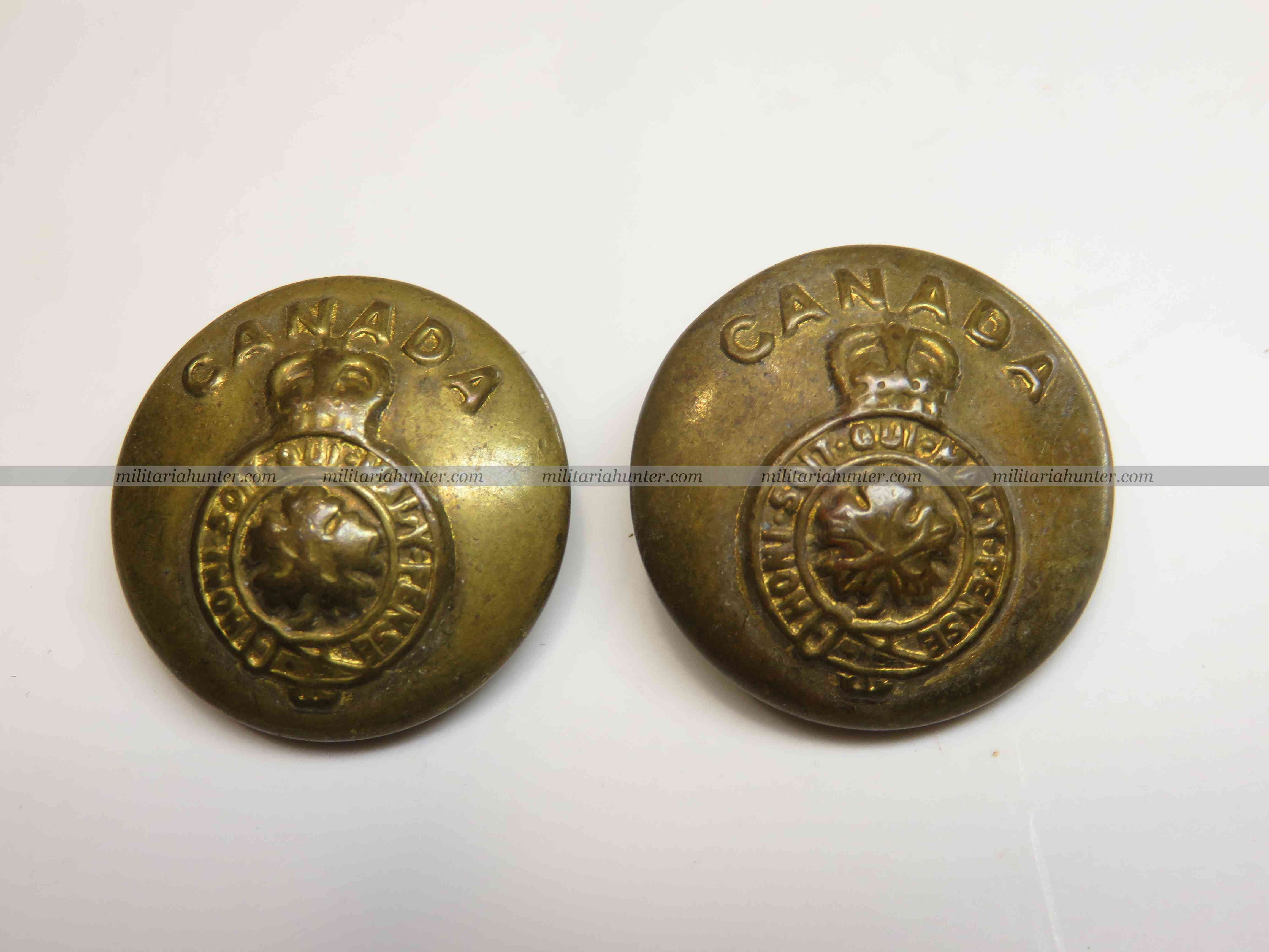 militaria : ww1 ww2 Canadian general service tunic buttons set of 2