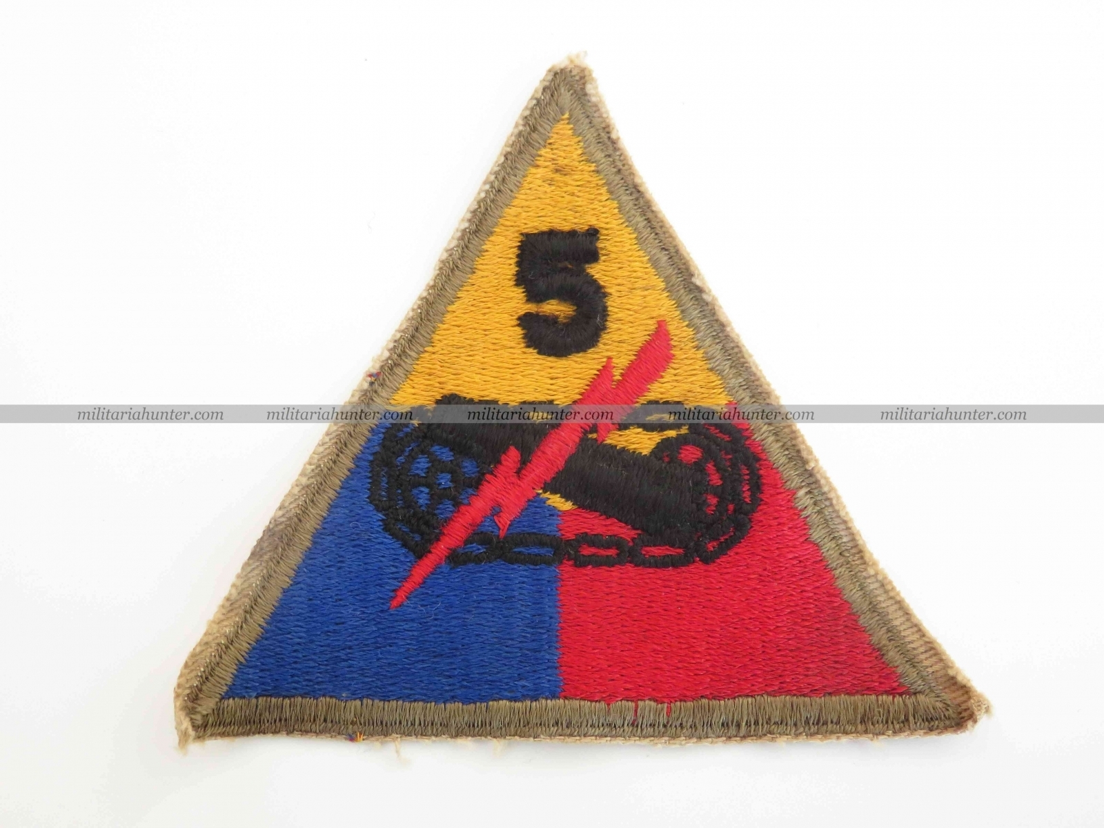 militaria : Original ww2 5th Armoured cut edge patch